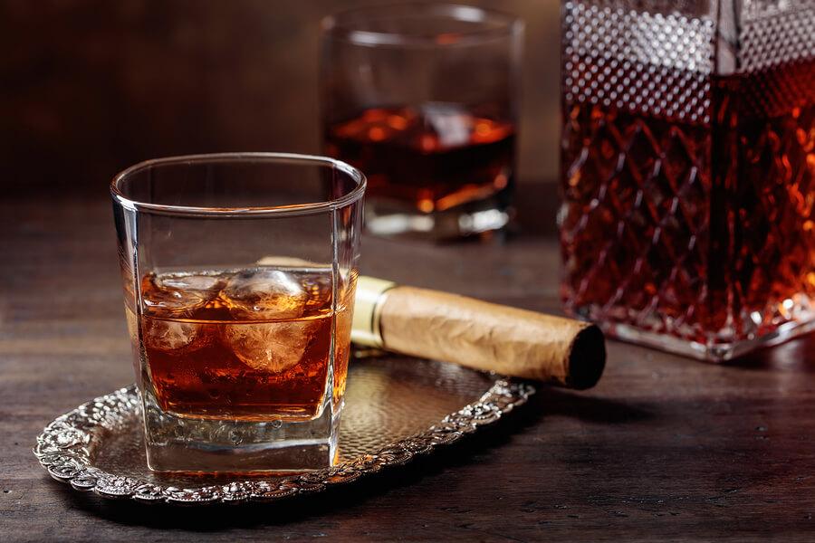 Cigar and scotch pairings