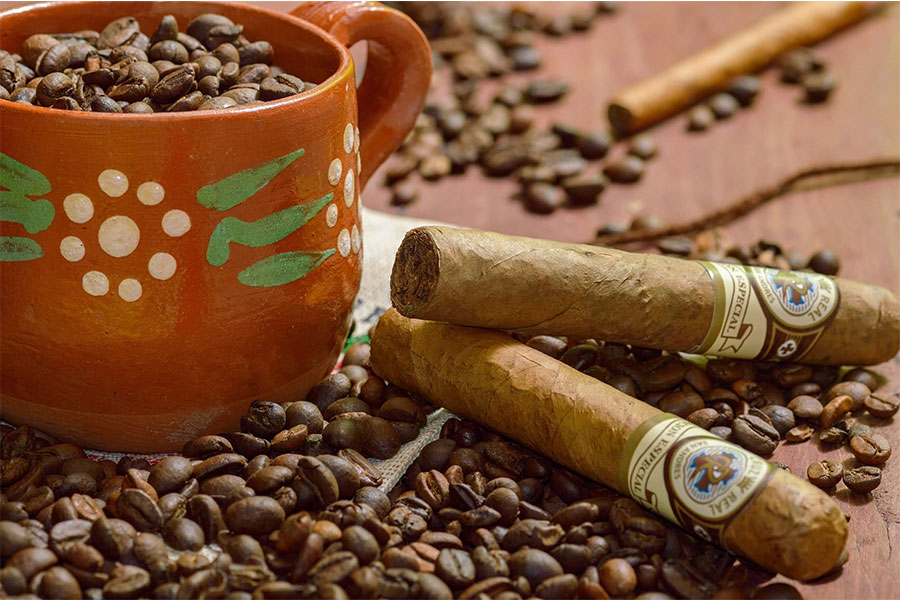 How to Create the Best Cigar & Coffee Pairing