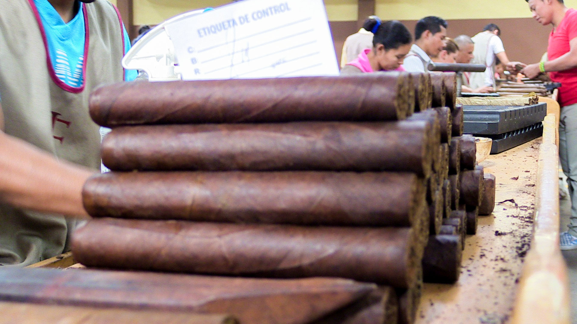 out-of-focus-cigars